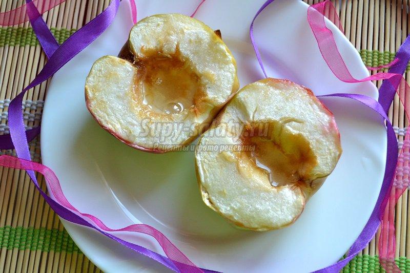 запеченные яблоки в духовке рецепт