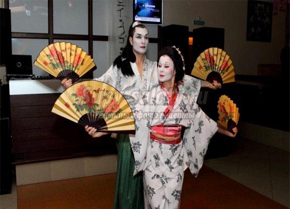 Как устроить вечеринку в японском стиле
