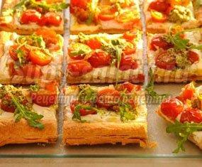 Пицца из готового слоеного теста – вкусно, быстро и просто