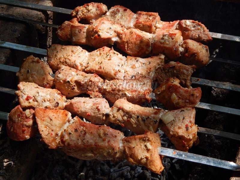 Мягкий и сочный шашлык из свинины рецепт с пошагово