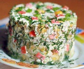 Салат с крабовыми палочками и кукурузой: золотые рецепты с фото