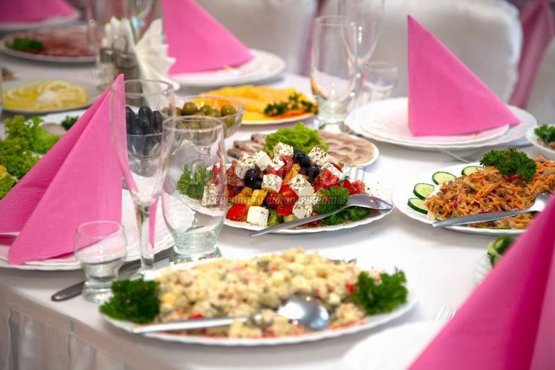 Богатый свадебный стол: меню