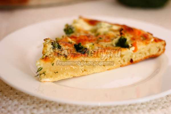 Пирог с брокколи и моцареллой